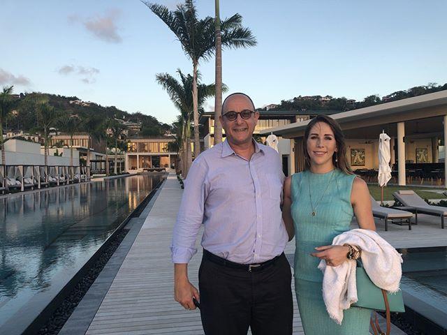 CEO @nadiareadthaele and Warren Newfield, ambassador to Grenada 🇬🇩 at Silversands in Grenada . . . . #Lio #lioglobal #grenada #grenadiancitizenship #grandanse #grenadapassport #grenadacitizenship  #secondcitizenship #secondpassport #southafrica #capetown #jhb