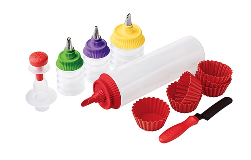 Cupcake Decorating Set - whatthegirlssay.com