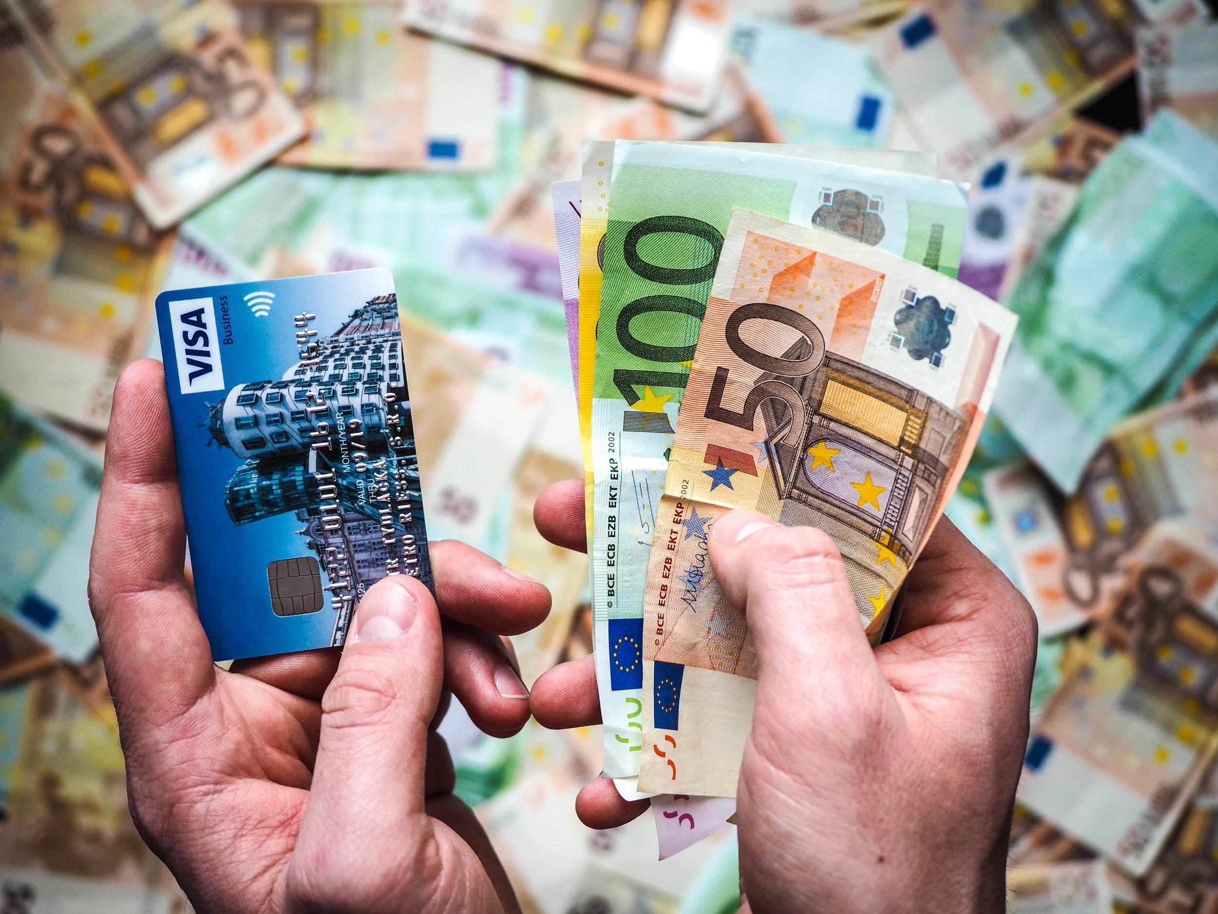 Pay Cash - whatthegirlssay.com