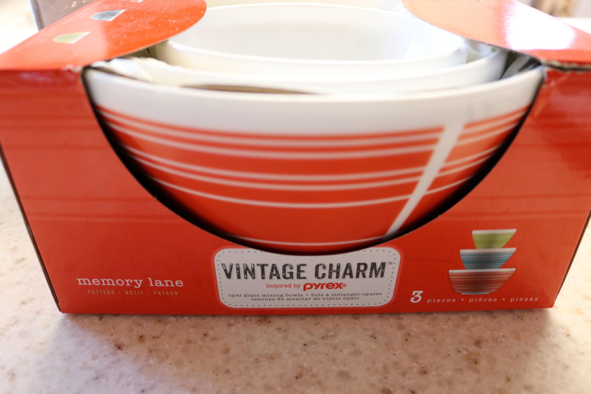 Pyrex Mixing Bowls Vintage Charm Review - whatthegirlssay.com