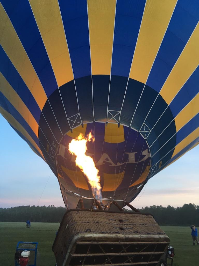 date night ideas hot air balloon ride