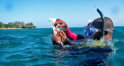Chumbe_Island-Tanzania-Snorkel-mask-ConservationEducation2-500w.jpg