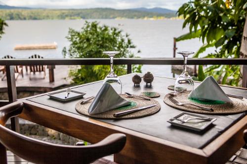 Jicaro-Island-Nicaragua-dining-500w.jpg