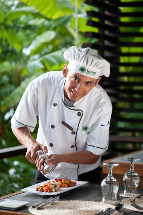 Jicaro Island Ecolodge chef