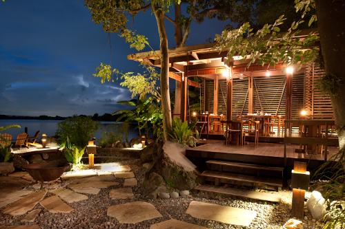 Jicaro Island Ecolodge - dining area