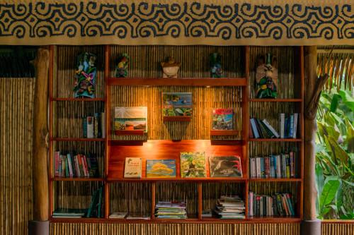 Lapa Rios library bookcase