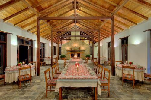 Nepal-Tiger-Mountain-Pokhara-Lodge-Dining Room 1 Rajbansh-500x333.jpg