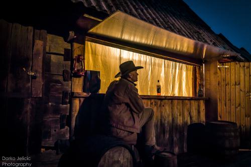 Linden-Tree-Retreat-Ranch-Croatia-bar-IMG_0007-500x333.jpg