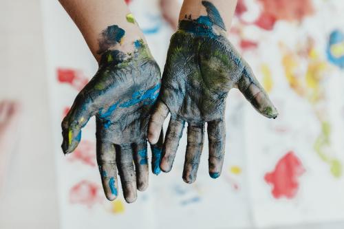 bernard-hermant-665070-green-paint-hands-unsplash-500x333.jpg
