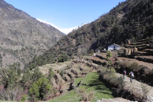 en route between Dhurr and Khami villages, Pindar valley