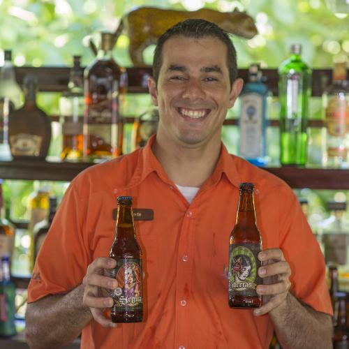 Lapa-Rios-Costa-Rica-barman-beers-500x500.jpg