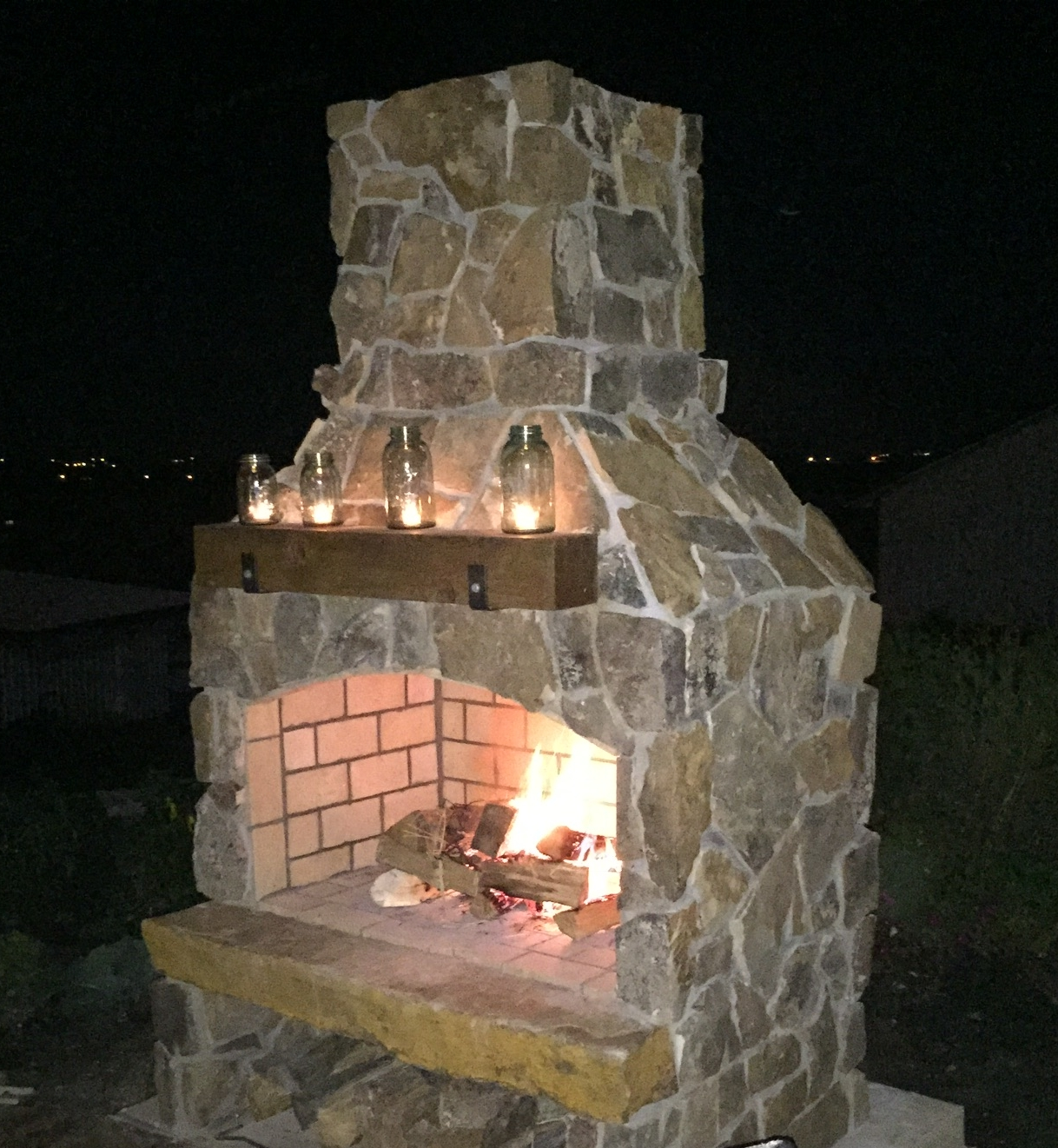 Fire pits & fireplaces -