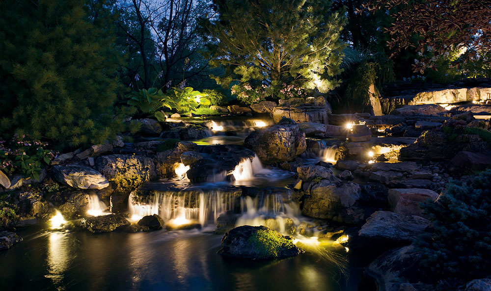 Kichler_Landscape_Night_Rocky_Waterfall.jpg
