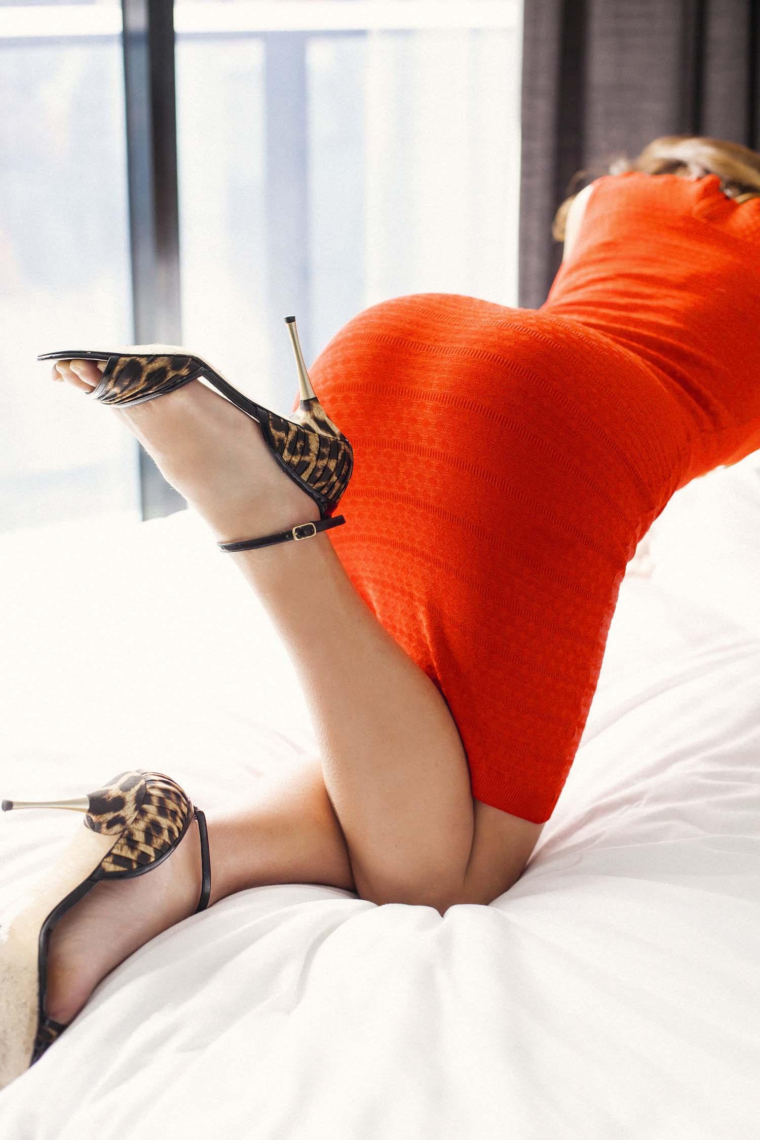 Emmy_Eden_Private_Escort_Red_Dress_02.jpg