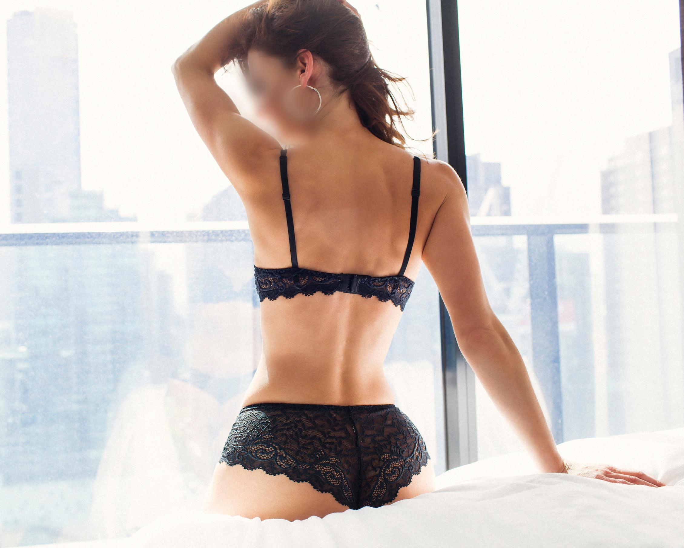 Emmy_Eden_Private_Escort_Sexy_Lingerie_04.jpg