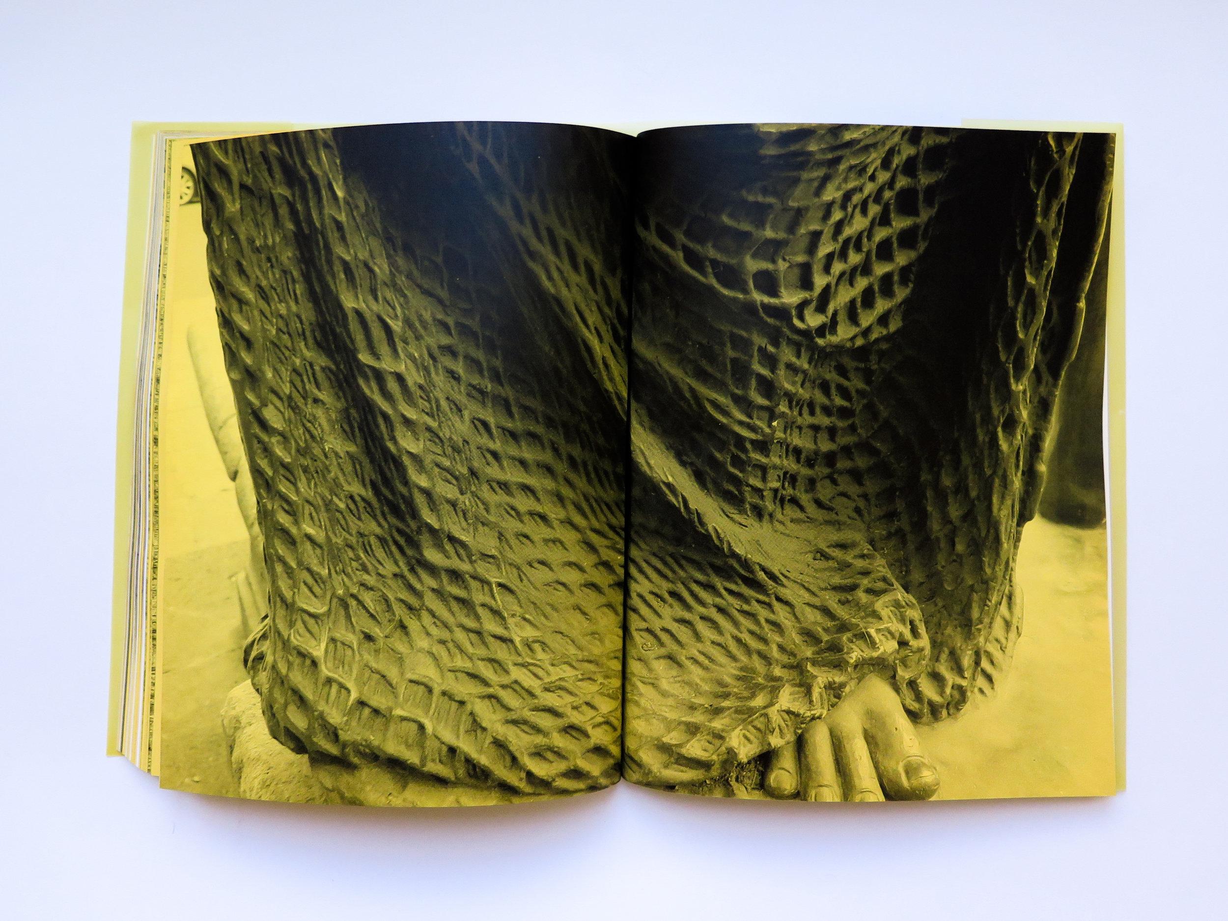 Mano Penalva, paginas amarillas, foto dentro 1.jpg