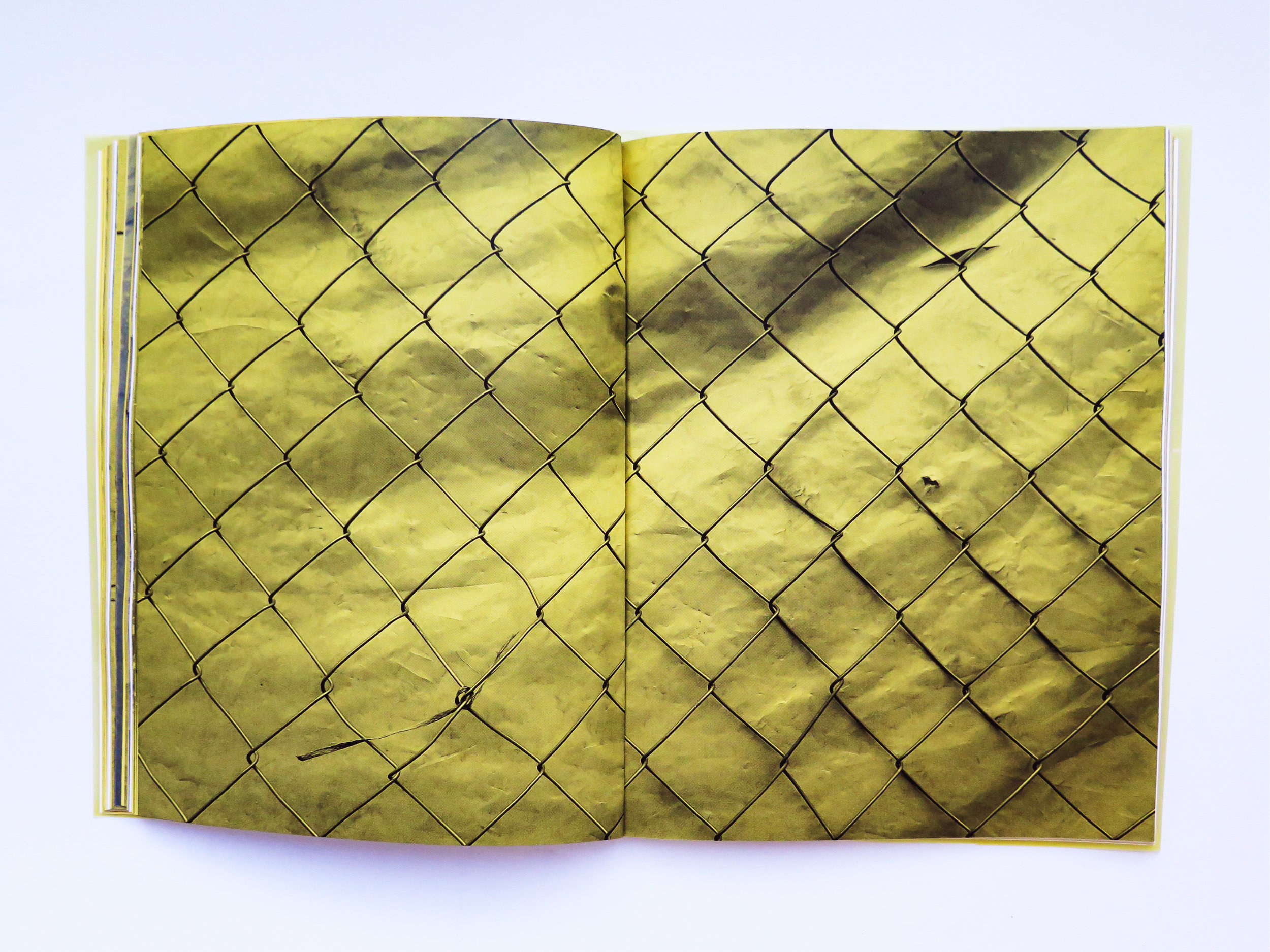 Mano Penalva, Paginas amarillas, foto dentro1-2.jpg