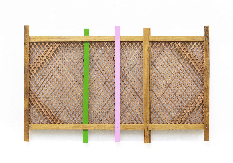 Mano Penalva, Verde e rosa, Palhinha, 2019, Muxarabi, ripas de madeira, tinta e chassi, 65 x 100 x 10 cm.jpg