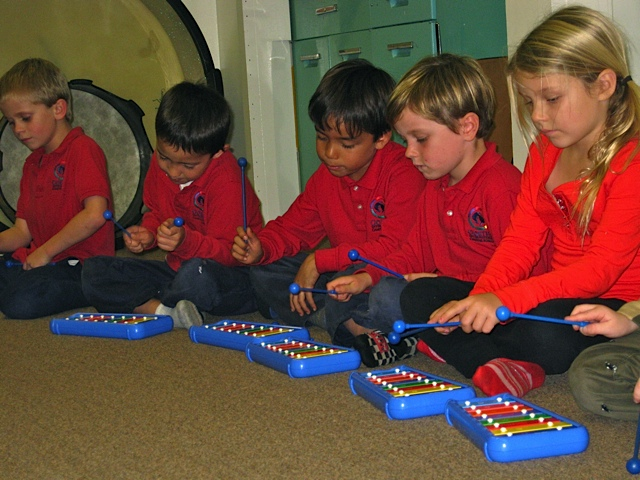 Introduction to Instruments/Introducción a los instrumentos,  ages/años 5-7