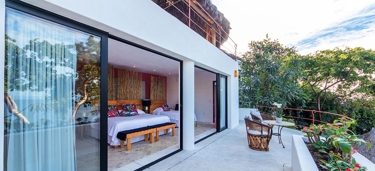 villa-mandarinas-bedroom-2.jpg