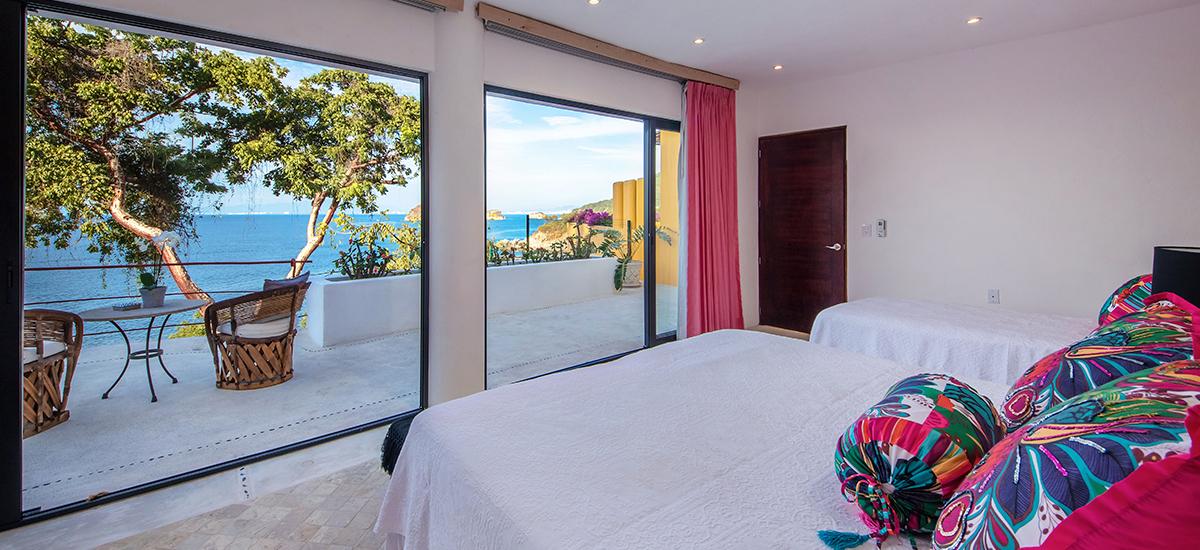 villa-mandarinas-bedroom-3.jpg
