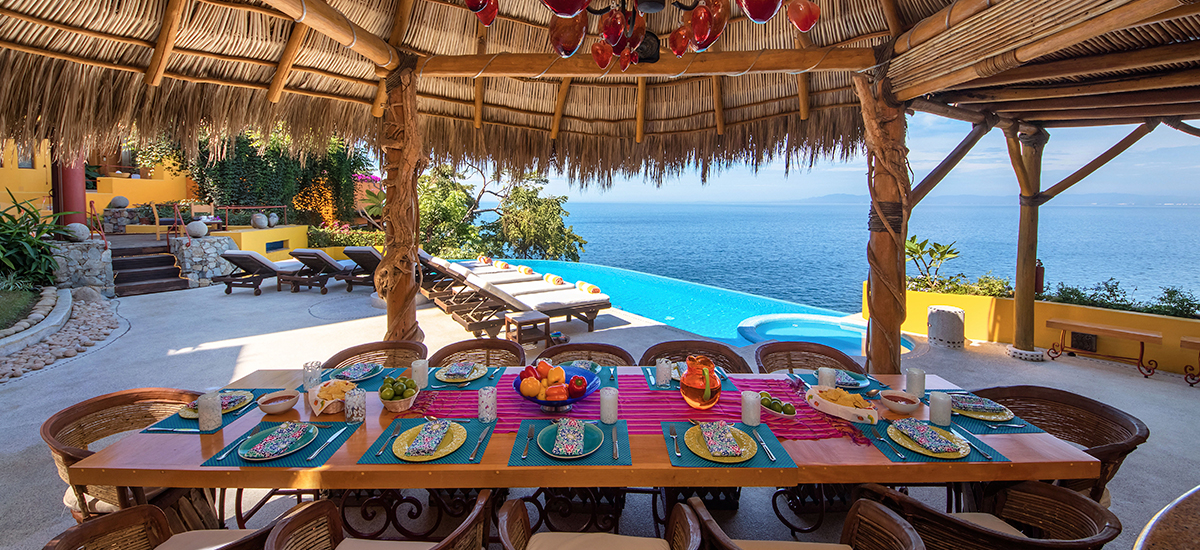 villa-mandarinas-dining-table.jpg