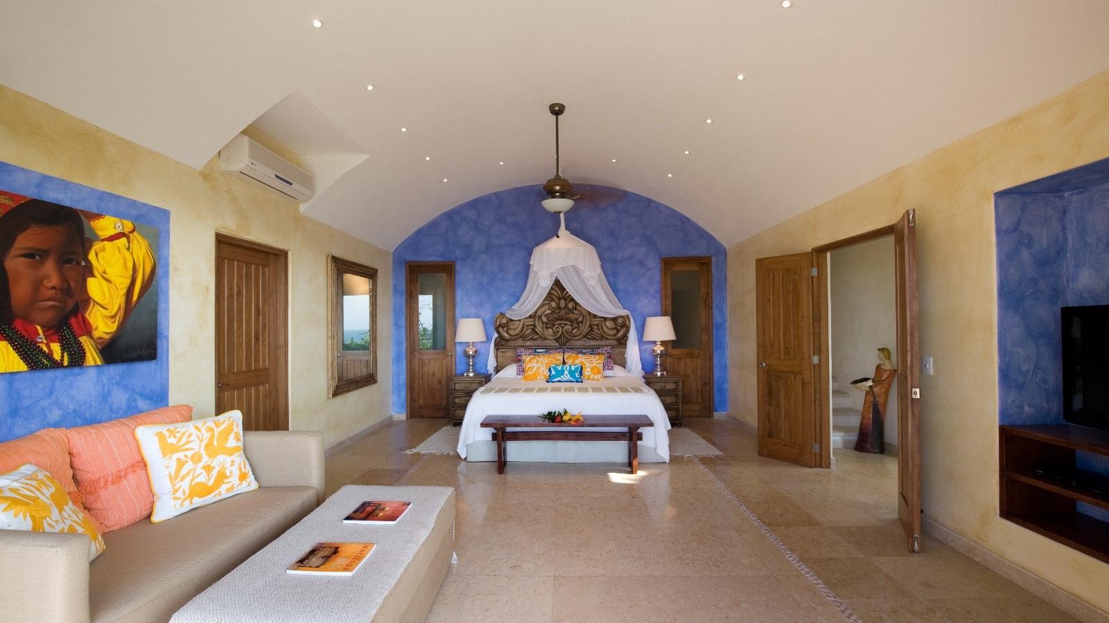 villa-mandarinas-vallarta-blue-bedroom0.jpg