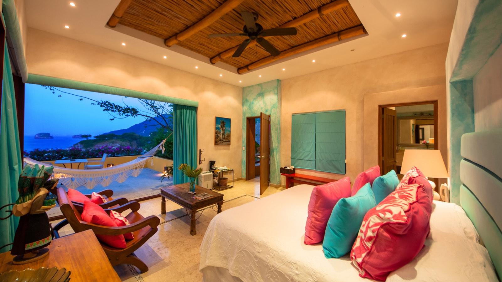 villa-mandarinas-vallarta-turquoise-bedroom1.jpg