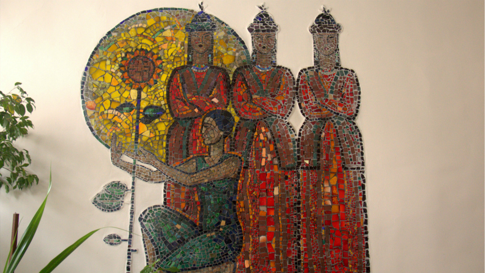 Information about Soviet mosaics had to be restored almost from scratch. This is a panel called 'Shubin's Song' by Alexei Kamensky, it's located in the music school named after Shubin.