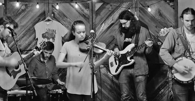 Thanks to the good folks at @wdstkbrewhouse for having us out last night! Next weekend we'll be at @boldrockhardcider with @atcmissions on Saturday April 7th from 5-8 pm|📷: Rob Shepherd| #strongwaterva #folk #americana #woodstockbrewhouse #springtour