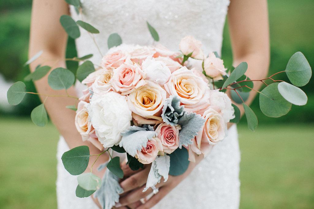 winey-blonde-vineyard-wedding-ideas (2).jpg
