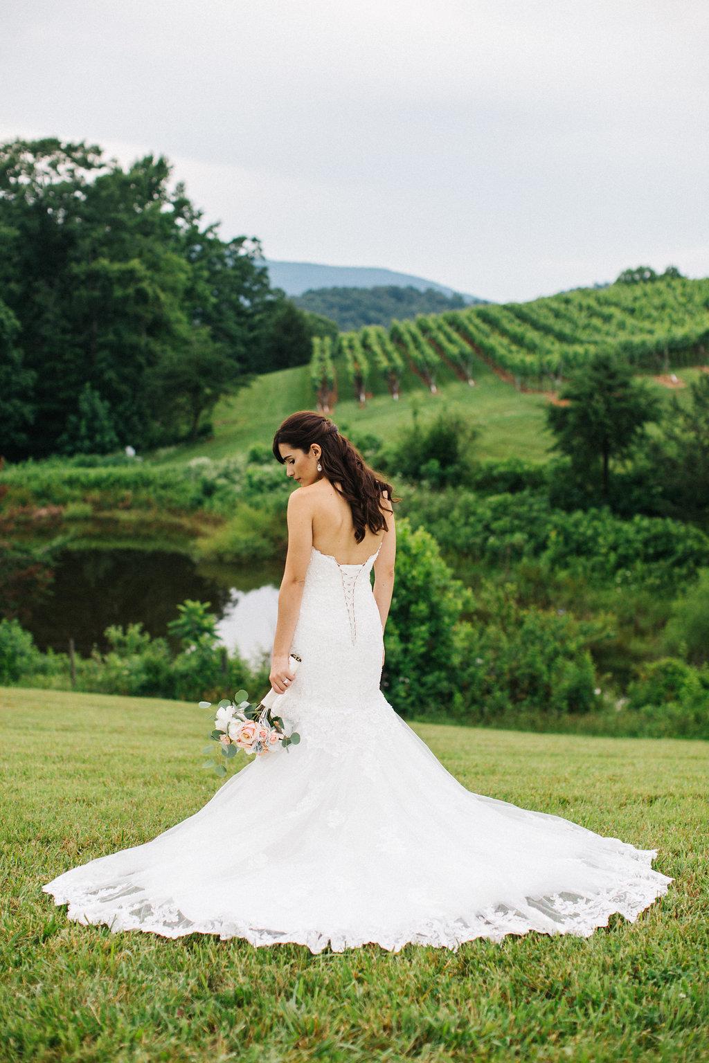 winey-blonde-vineyard-wedding-ideas (1).jpg
