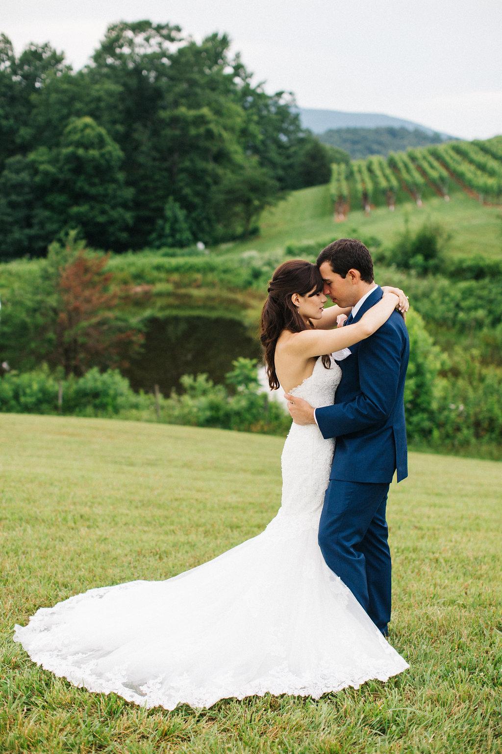 winey-blonde-vineyard-wedding-ideas (4).jpg