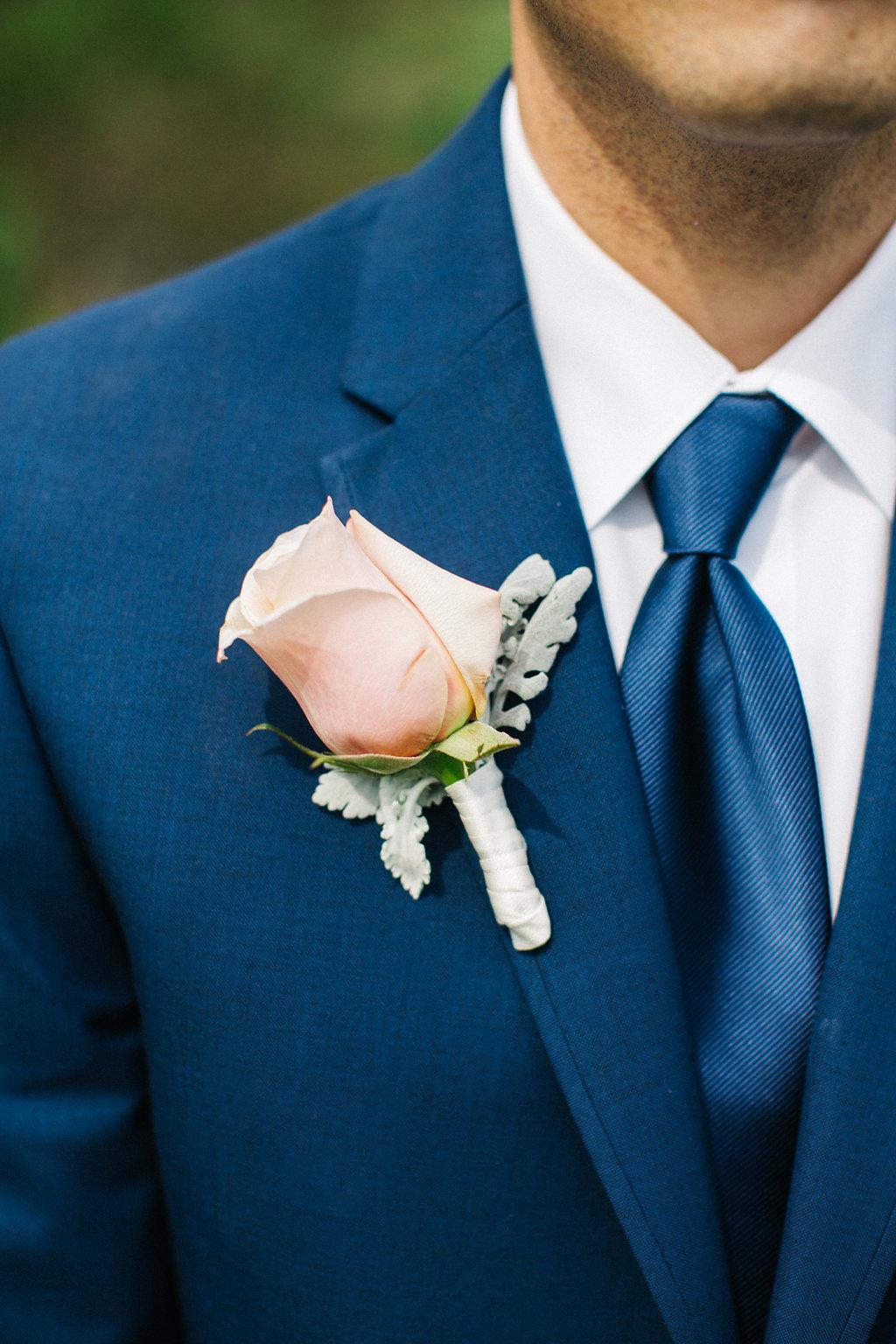 winey-blonde-vineyard-wedding-ideas (8).jpg