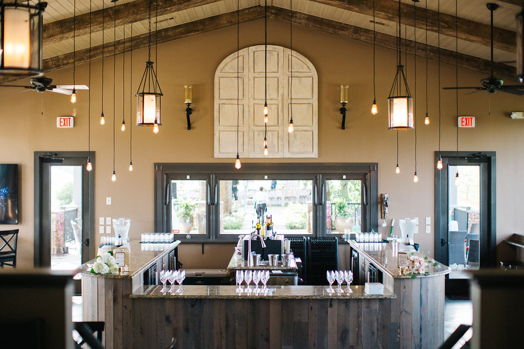winey-blonde-vineyard-wedding-ideas (18).jpg