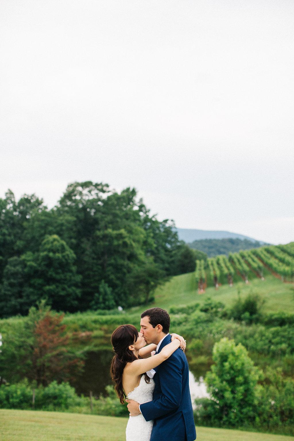 winey-blonde-vineyard-wedding-ideas (3).jpg