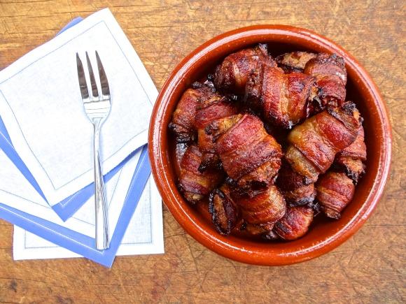 Bacon-Wrapped-Stuffing-Bites-2-580x435.jpg