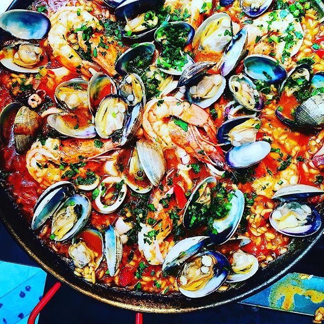 Paella on the grill. Yep, it's delicious. I highly recommend it 🦐 #thecitykitchensf #mymarinkitchen . . . . . #seafood #paella #spanishfood #farmersmarketfind #onthegrill #f52backyard #feedfeed #f52grams #goopmake #tastingtable #buzzfeast #eeeeeats #foodpic #instafood #foodphotography #beautifulcuisines #huffposttaste #instayum #bareaders #foodandwine #bghfood #thekitchn #yahoofood #nomnom #bonappetitmag #todayfood #marthafood #foodwinewomen