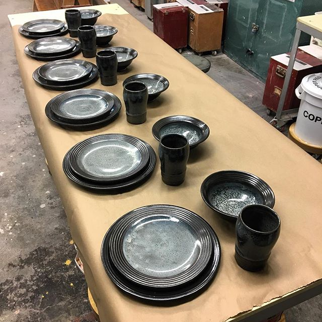 Finally ready to deliver a commission that I took on last year! I have learned so much from making this dinner-set that I am a little sad to see it go. #pottery #dinnerset #ceramics #utilitarian