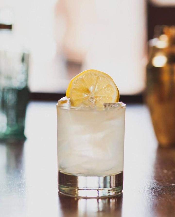 INGREDIENTS  2 oz Brooklyn Gin ¾ oz fresh lemon juice ¾ oz honey syrup (use equal parts honey and warm water)  Shake with ice, serve in a rocks glass with a slice of lemon (or a honeycomb chunk)