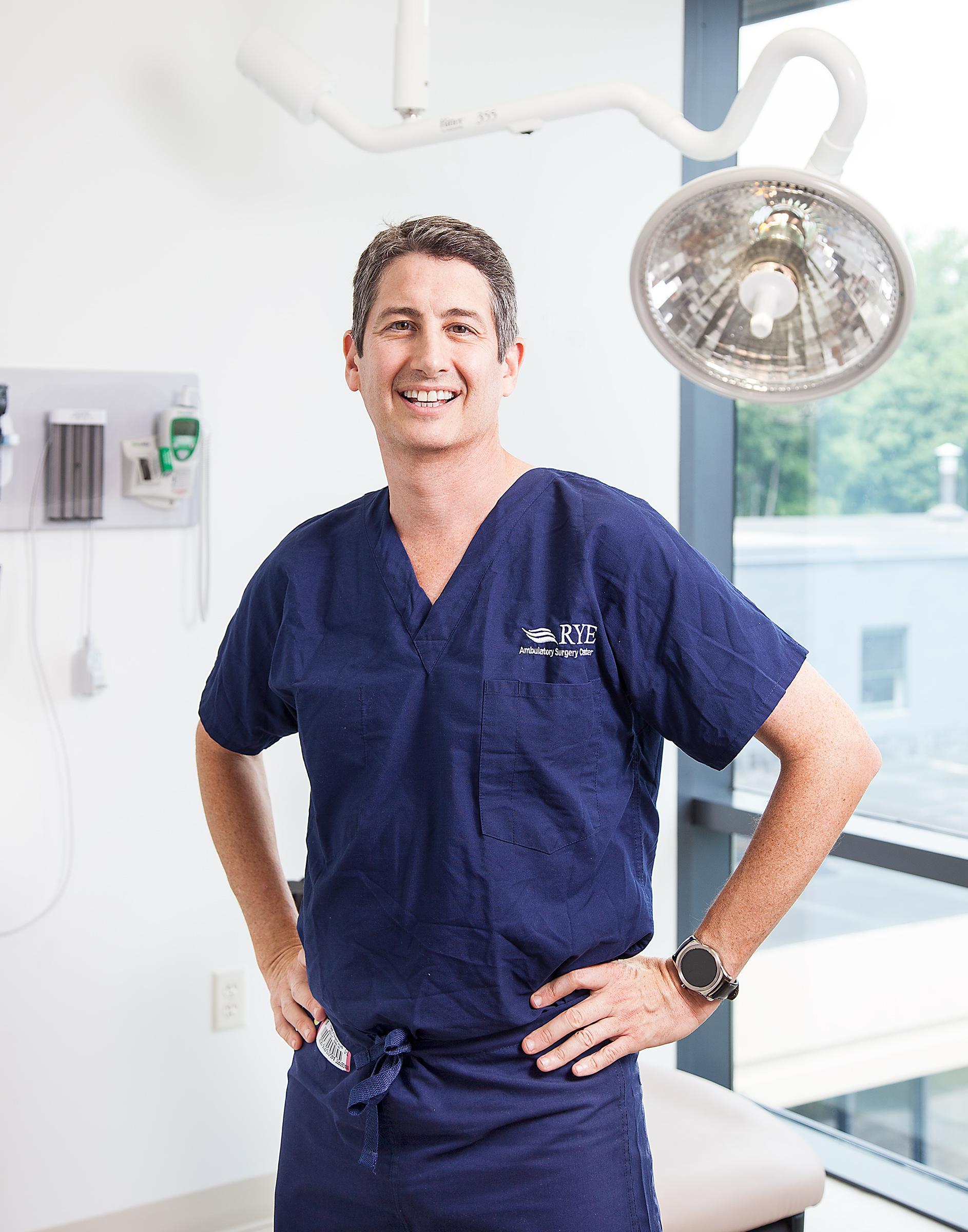 Dr Suzman Professional Photography Doctor Profile Portrait Westchester New York Beckerman_02.jpg