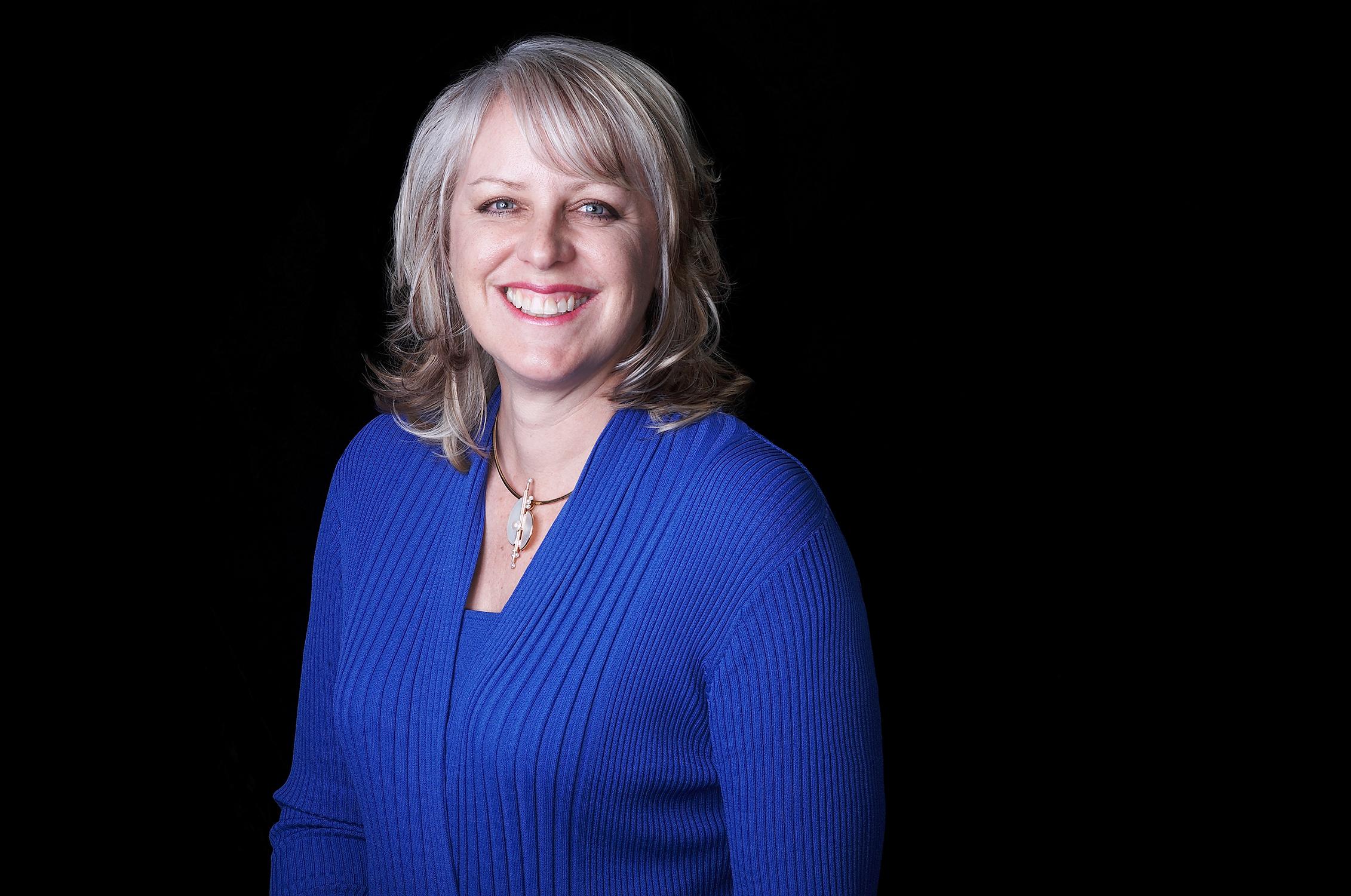 Dr.-Julie-Hodge-CALIFORNIA-PROFILE-PORTRAIT-BY-JONATHAN-R-BECKERMAN-PHOTOGRAPHY.jpg