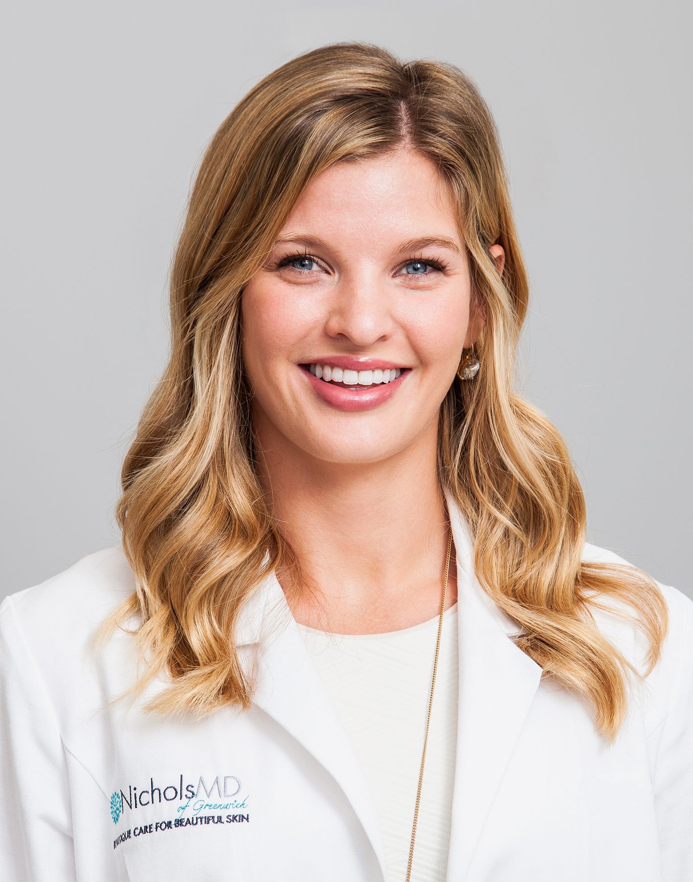 Dr. Kim-Nichols-Professional-Photography-Doctor-Profile-Portrait-Greewhich-Ct-02-Beckerman-Katie-French.jpg