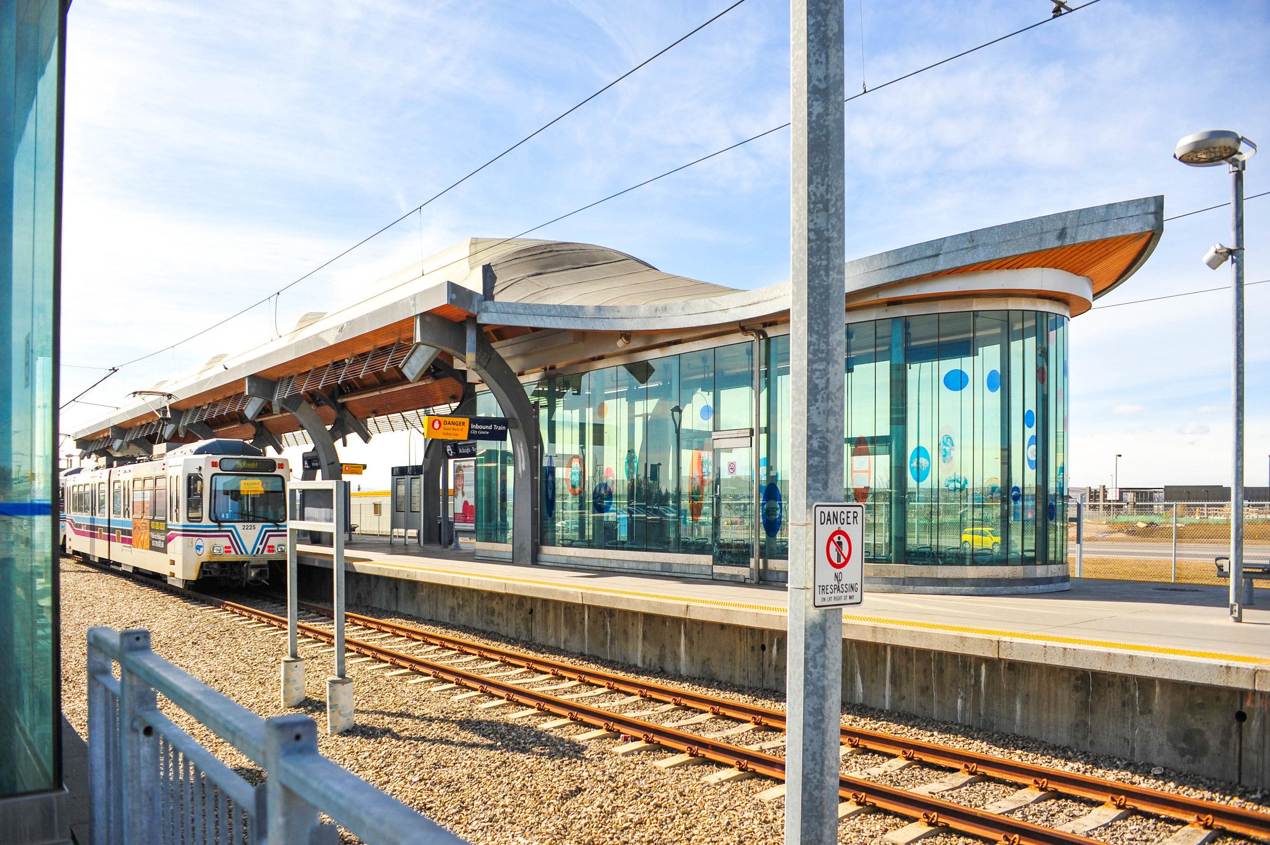 McKnight-Westwinds LRT Station