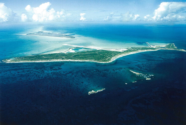 01_aerial view whole island.jpg