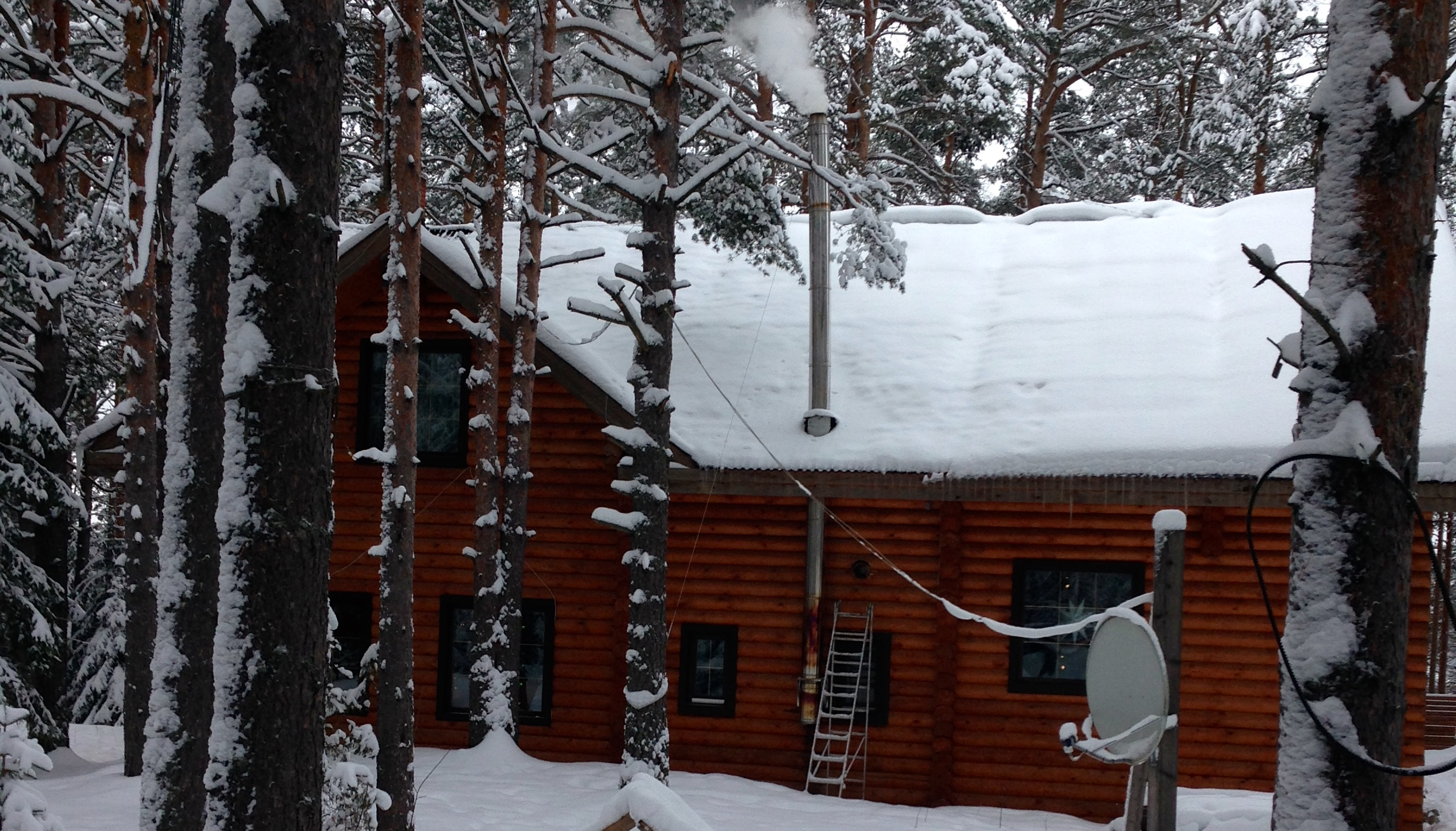 Our awesome cabin, in the middle of the woods!