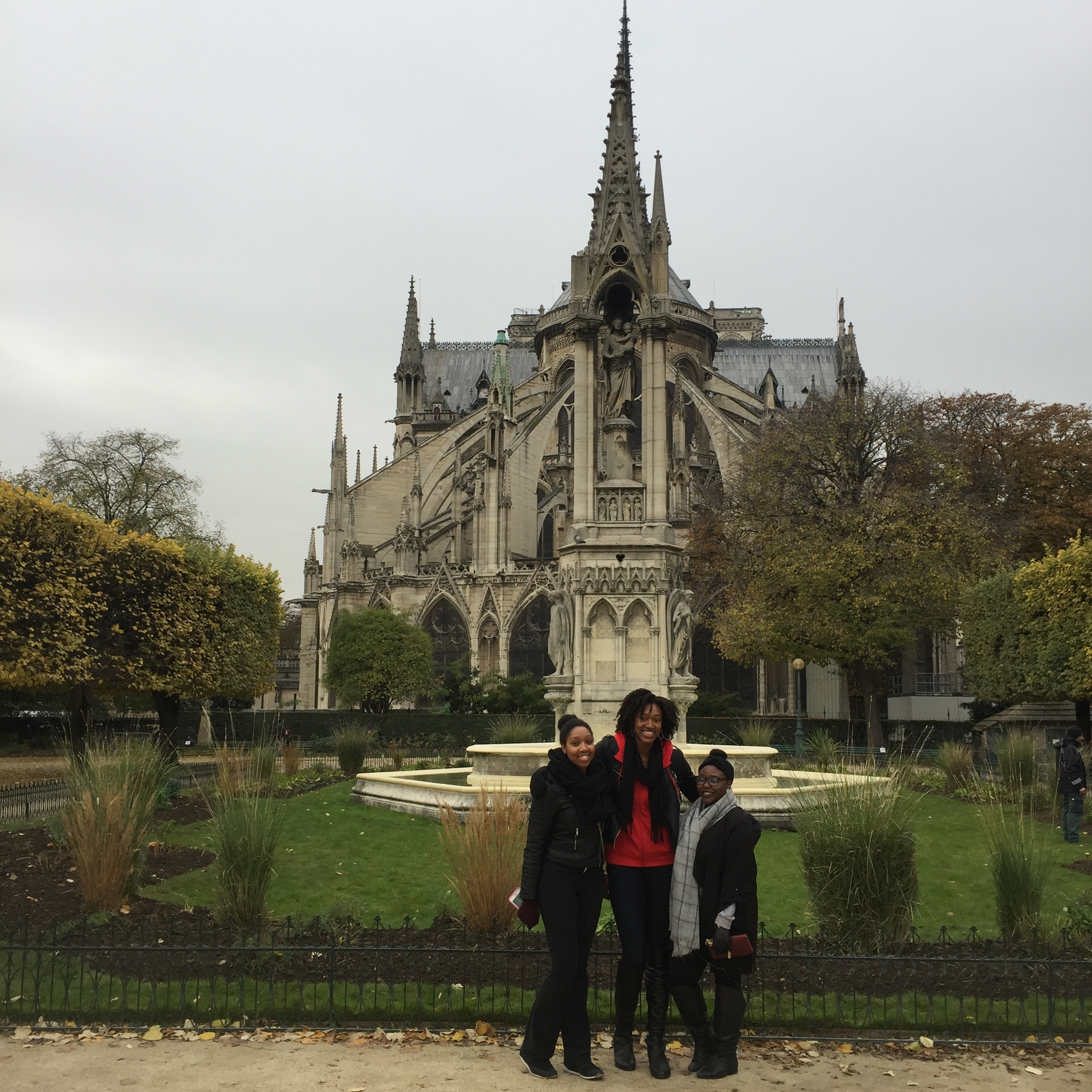 I'm so happy that these two can explore Paris with me! Also, I could stare at the architectural structure of Notre Dame all day long!
