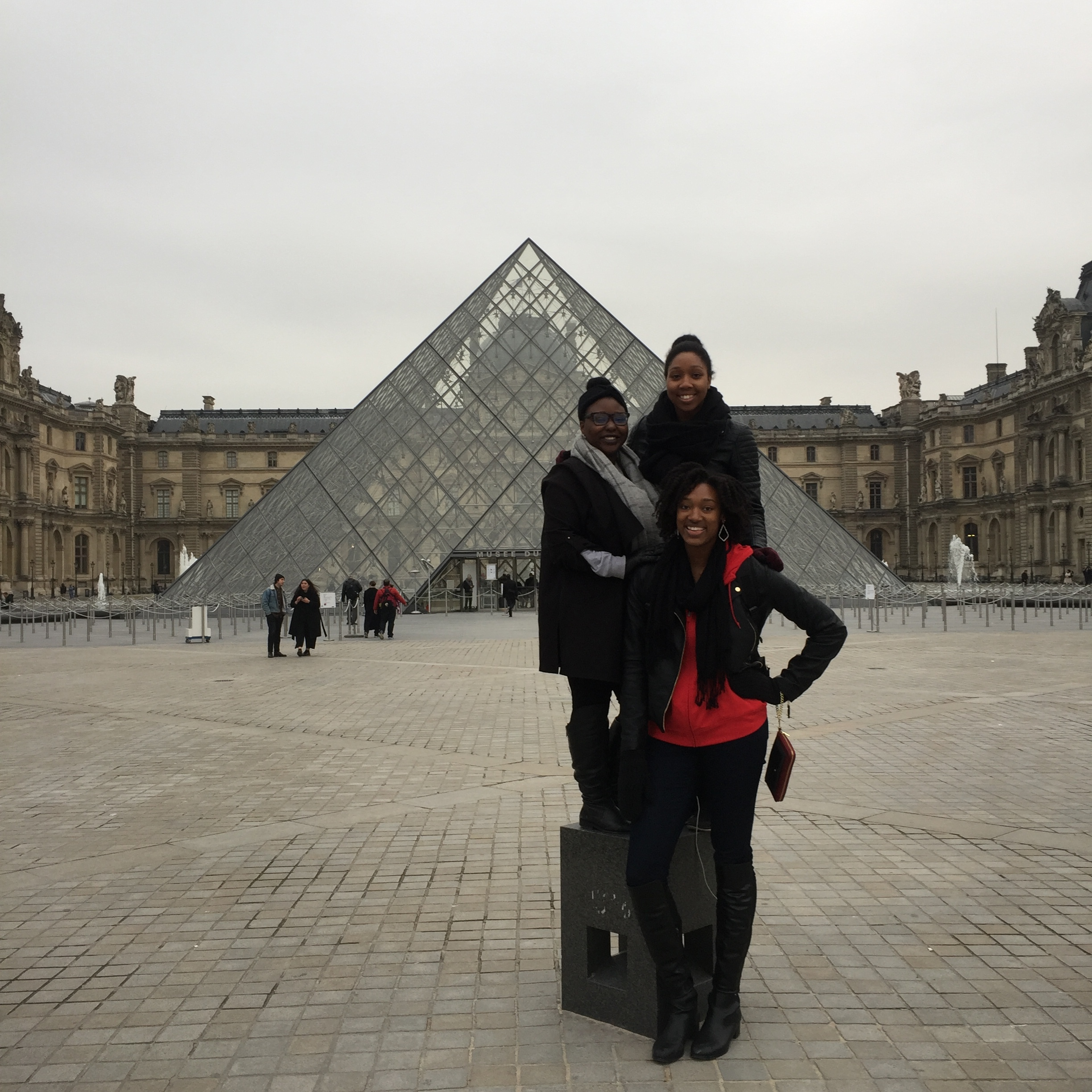 This picture is so surreal to me! The three of us are actually in Paris together!