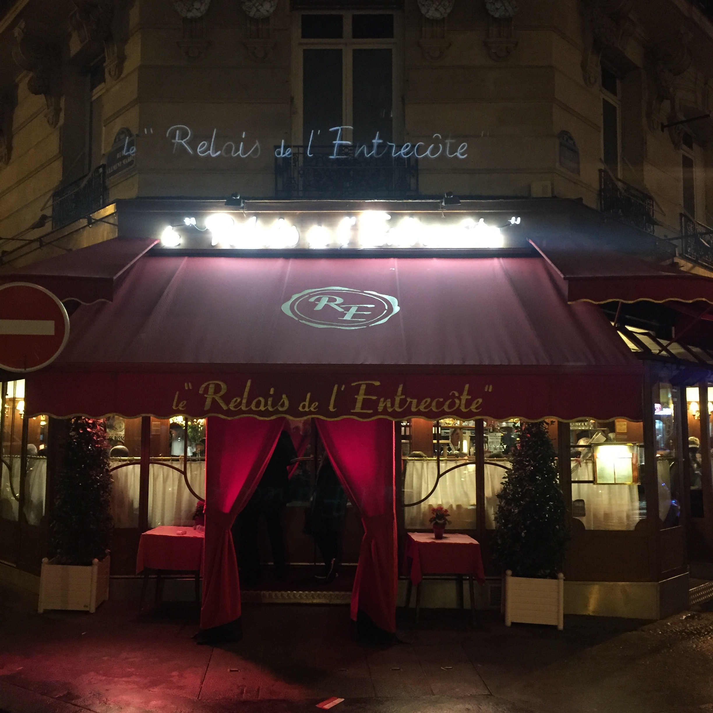 If you're ever in Paris, I would recommend dinning here at least once!