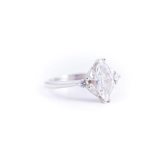 The divine beauty of G i s e l l e 🖤 __________________ #sallyrosewhitelabel #marquisediamond #diamondring #dreamring 📷 @janisalwayshashercamera